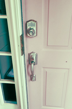 U Street SE Locksmith for Keyless Entry Lock Installation