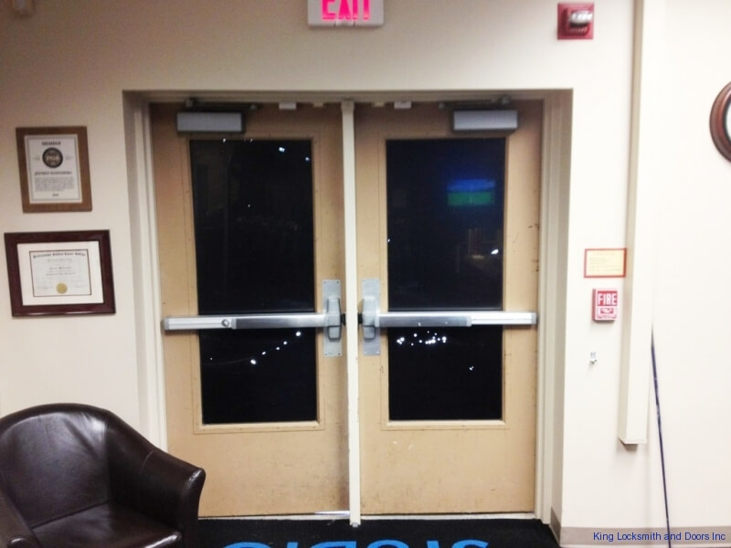 Double-Push-Bar-Doors-Installed-2 & Commercial Door And Hardware Installation - King Locksmith and ...