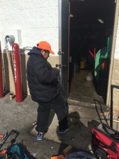 Jiffy-Lube-Door-Replaced-for-Business-4