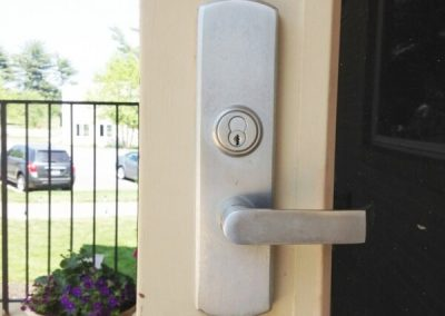 Storefront-Door-and-Door-Hardware-Installed-5