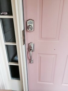 king-locksmith-and-doors-home-security-tips-keyless-entry