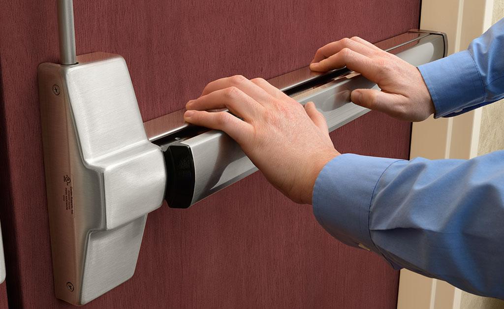 Install-Push-Bars-and-Panic-Bars-at-Your-Business!-King-locksmith-KLS